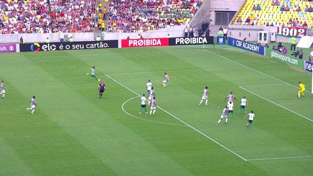 Gol do Palmeiras! Egídio acerta um chute de rara felicidade e marca, aos 42' do 1º tempo