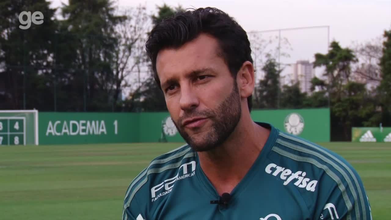 Alberto Valentim fala sobre o trabalho como auxiliar técnico do Palmeiras