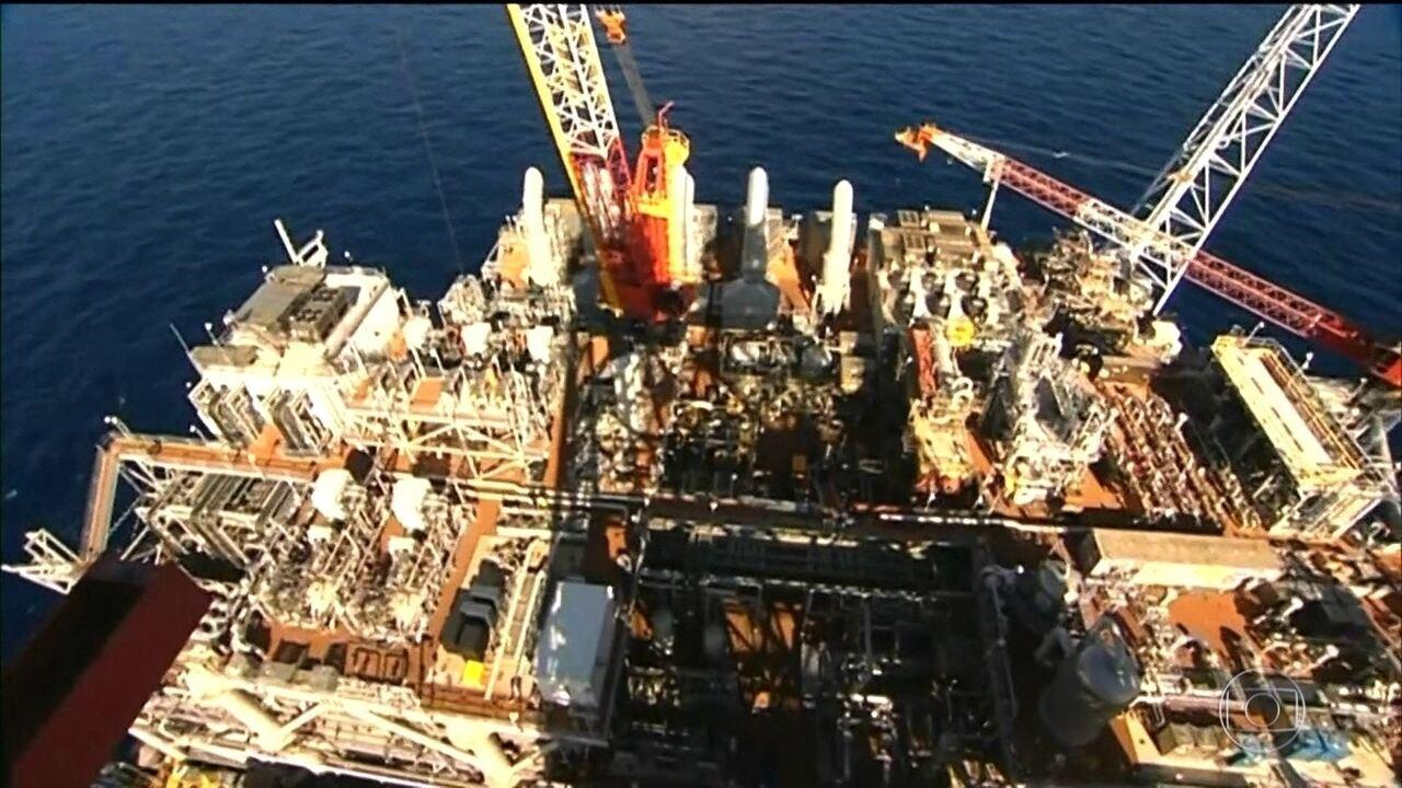 Leilões de petróleo e gás rendem ao governo bônus de R$ 4 bilhões