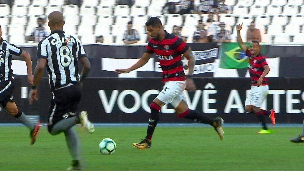 Melhores momentos de Botafogo 2 x 3 Vitória pela 26ª rodada do Brasileirão 0506508182c43
