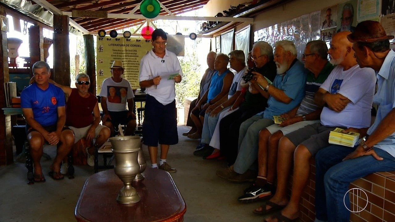 Grupo de amigos se reúne há três anos para vivenciar a vida caipira
