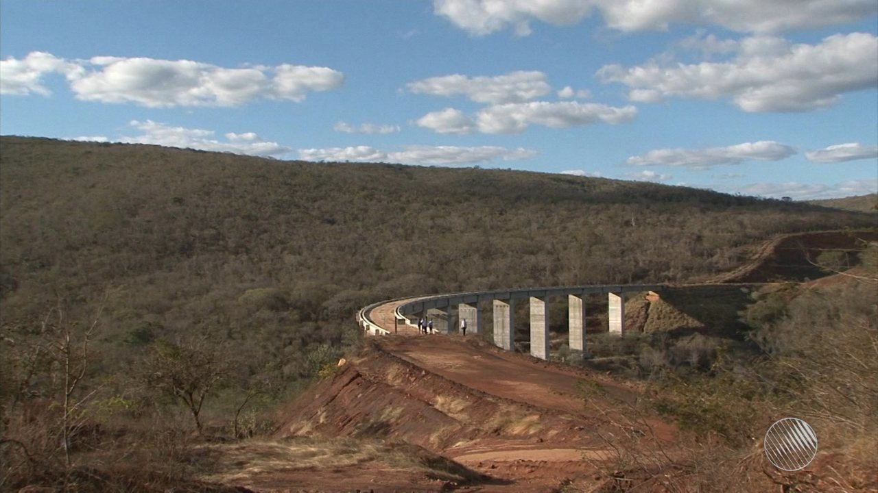 Ferrovia Oeste-Leste: comerciantes falam sobre prejuízo após as obras serem interrompidas
