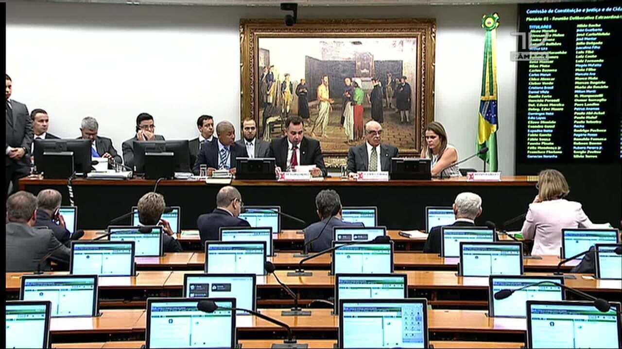 Sessão na CCJ analisa denúncia contra Temer, Padilha e Moreira Franco