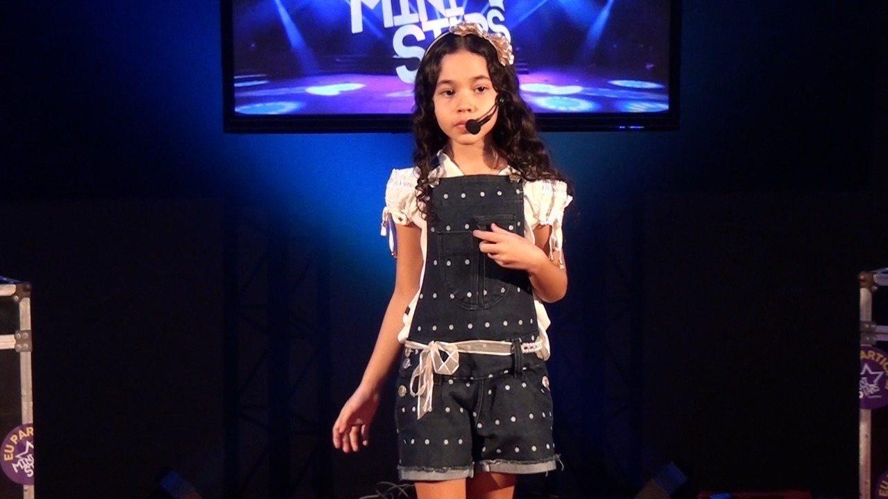 Apresentação de Mariany Vitória na terceira fase do Mini Stars