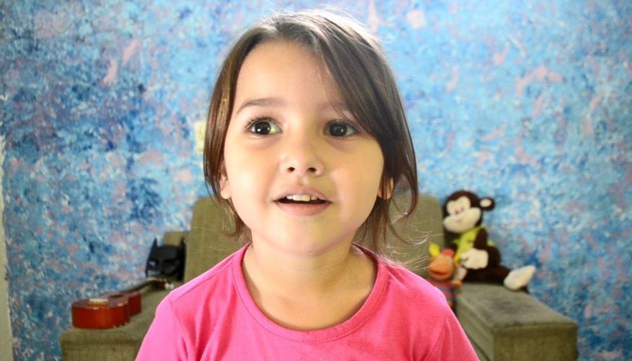 Youtuber mirim dá entrevista ao G1 para o Dia das Crianças