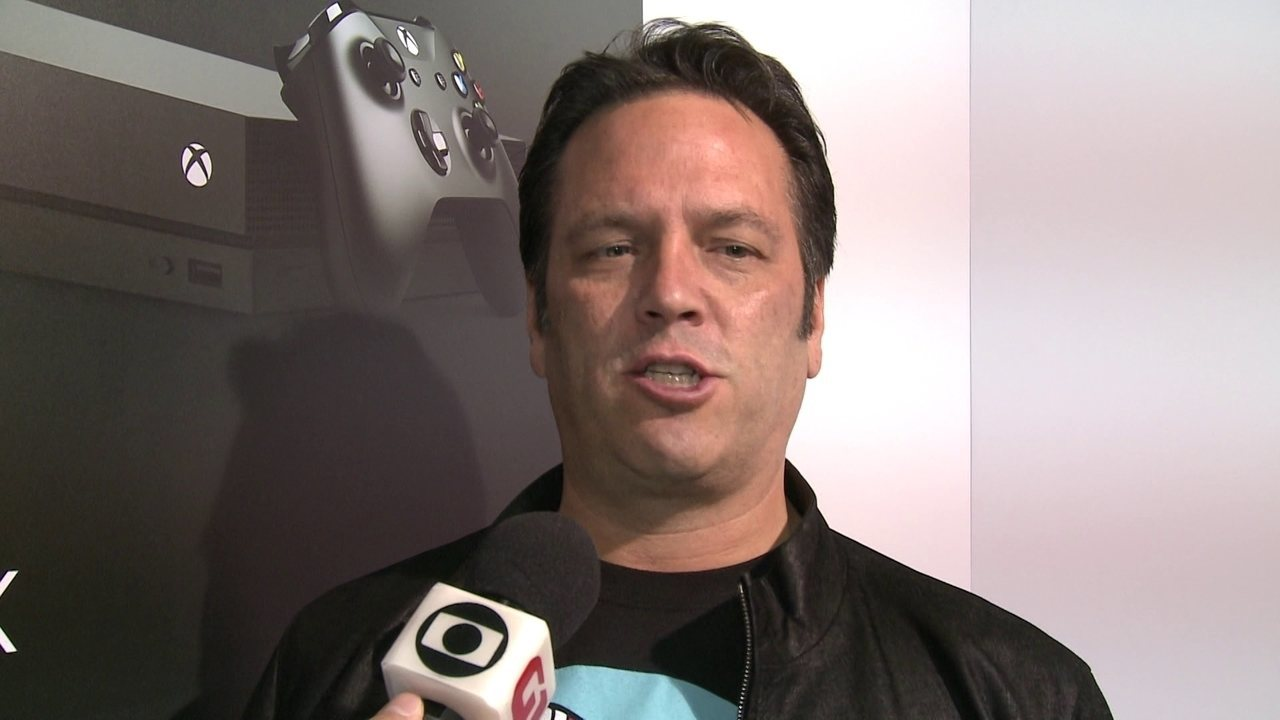 Phil Spencer comenta lançamento do Xbox One X no Brasil