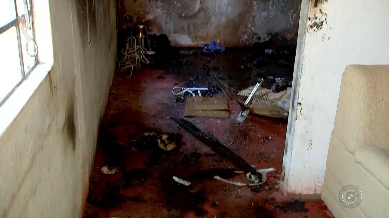 Servente de pedreiro é internado em estado grave após colchão pegar fogo em Rio Preto