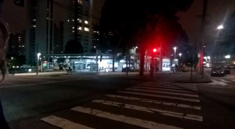 Peritos fazem reconstituição, à noite, de acidente que envolveu o ex-deputado Carli Filho