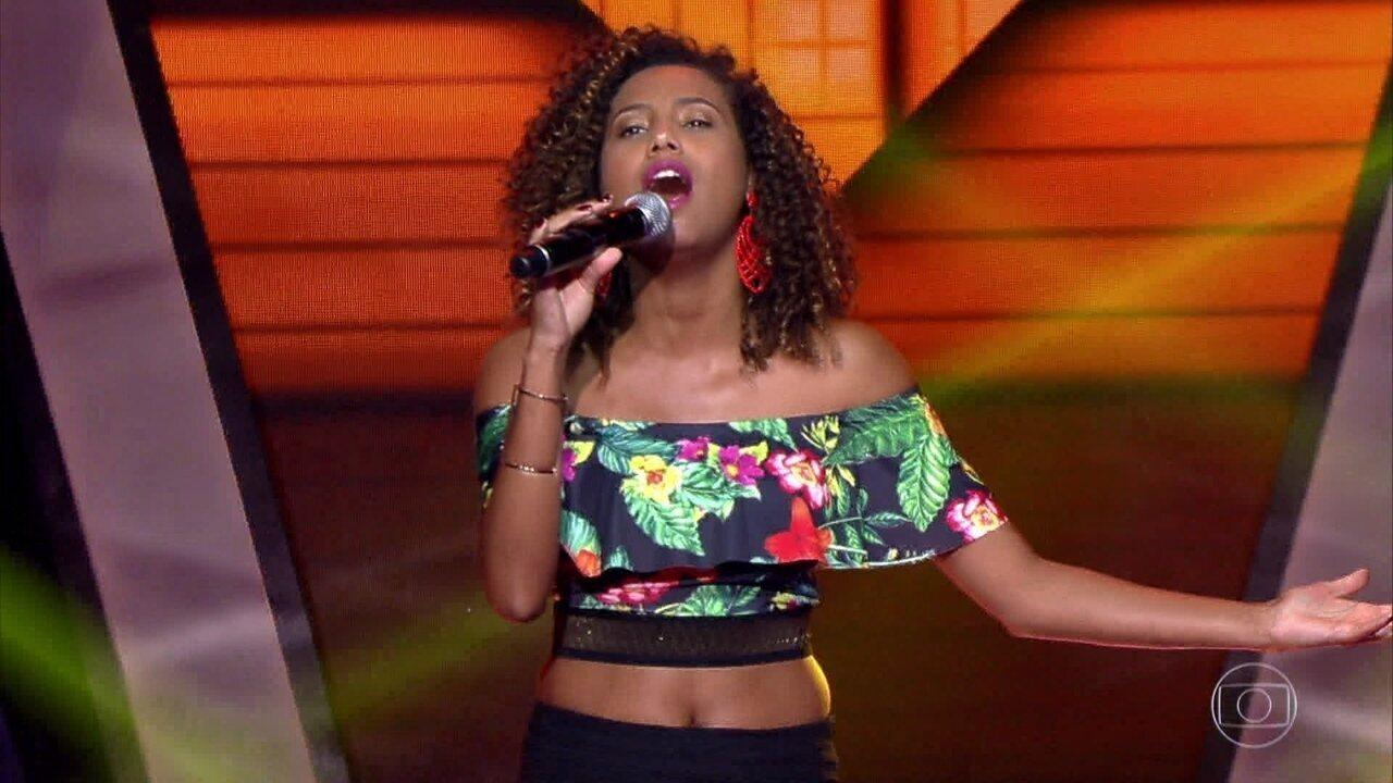 Dayane Felix canta 'Despacito'