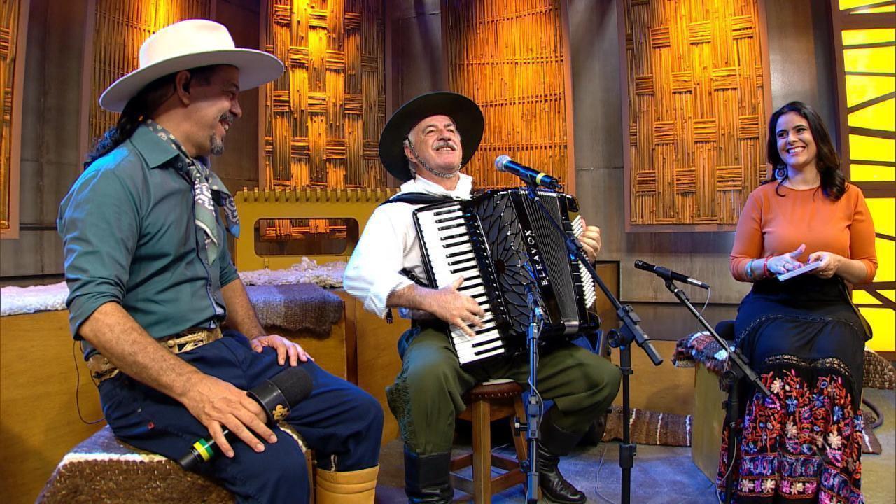 Edson Dutra canta 'O Sacamento da Doralice' no 'Galpão Crioulo' (bloco 1)