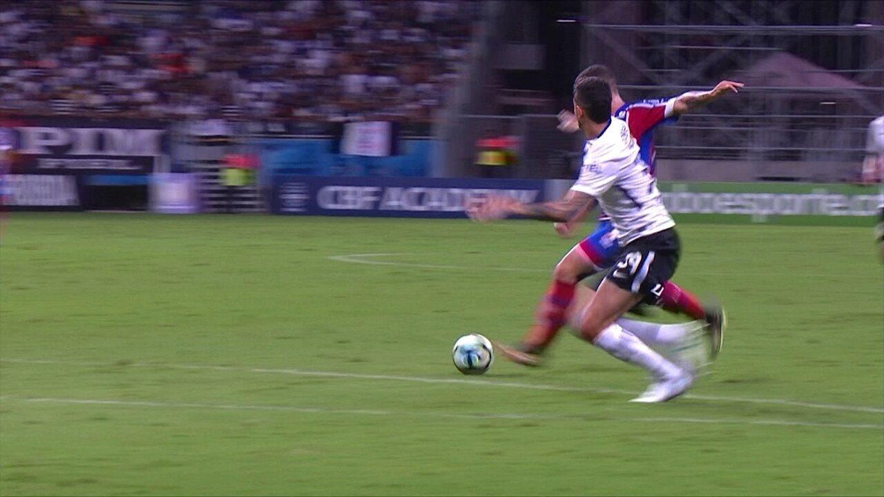 Cássio! Zé Rafael chuta colocado e goleiro do Corinthians faz a defesa, aos 23' do 1