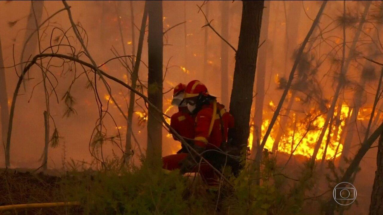 Onda de incêndios em Portugal e na Espanha deixa mortos