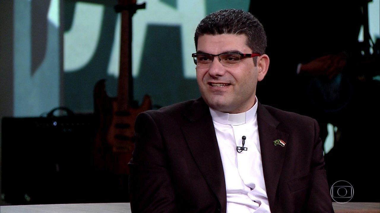Padre George Rateb Massis fala do acolhimento brasileiro
