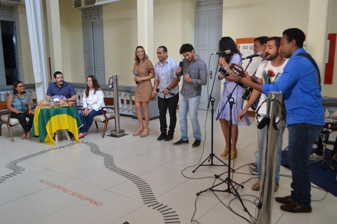 Cantores animam o 'Combinado' Especial Sergipanidade