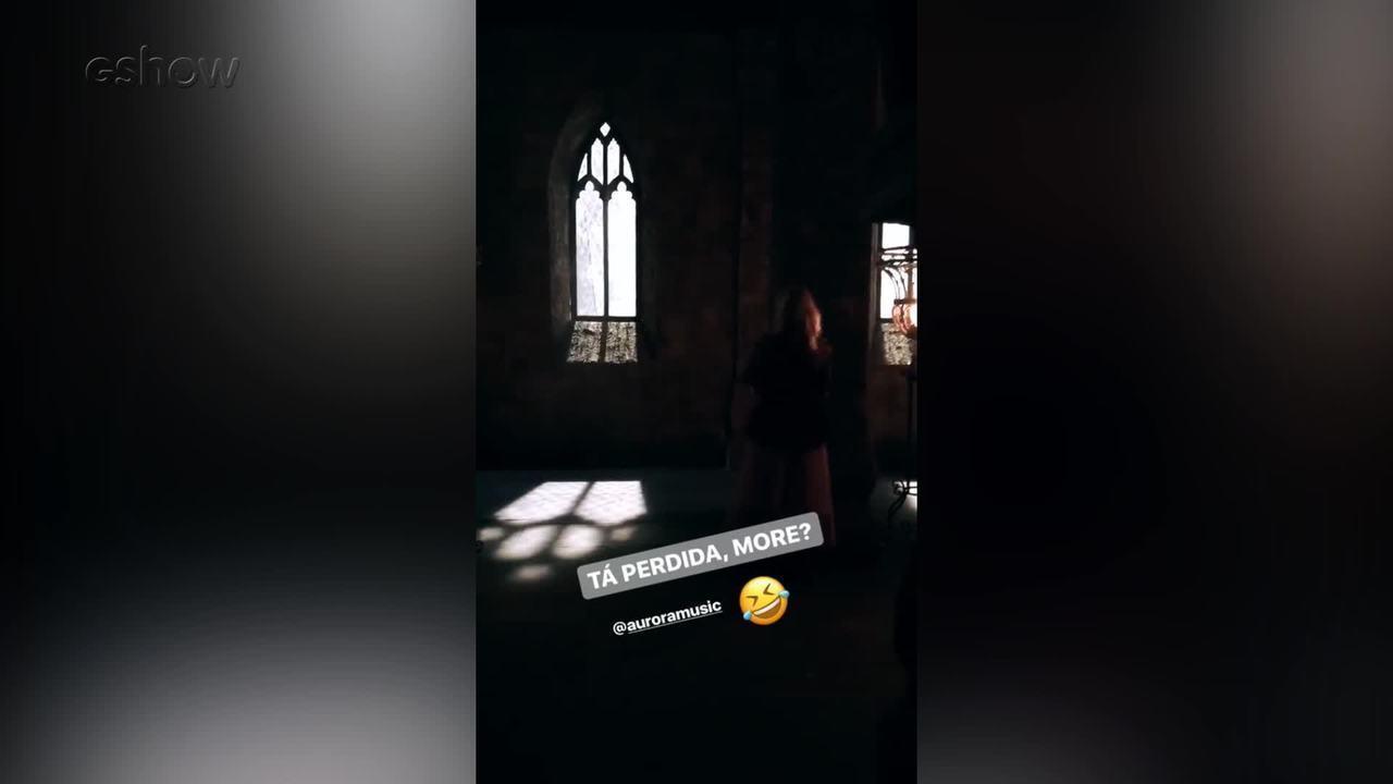 Cantora norueguesa grava clipe da música de abertura de 'Deus Salve o Rei'