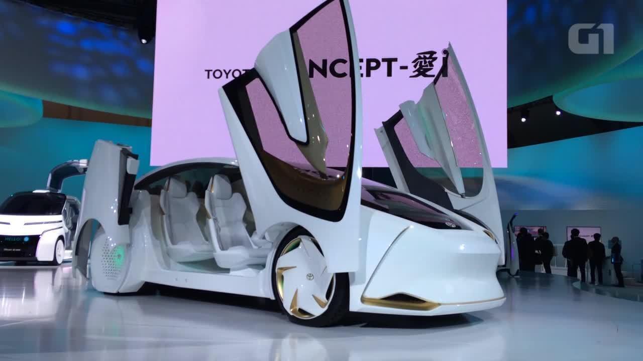 Carro do Salão de Tóquio 'puxa conversa' e percebe humor do motorista