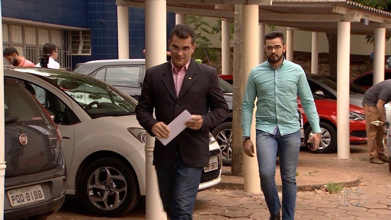 Advogado dos pais de aluno morto por colega vai à polícia e questiona bullying