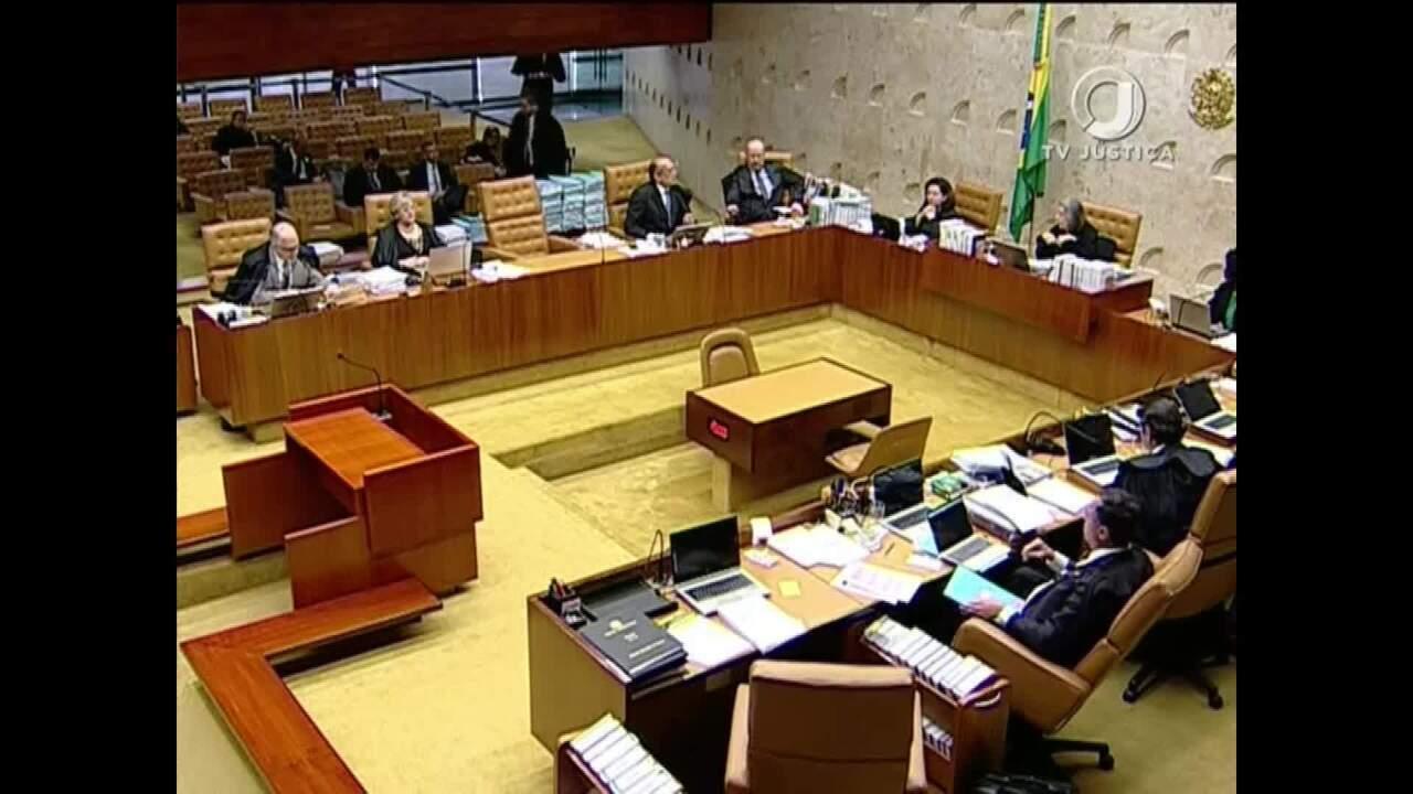Ministros Barroso e Gilmar Mendes trocam acusações durante sessão do STF