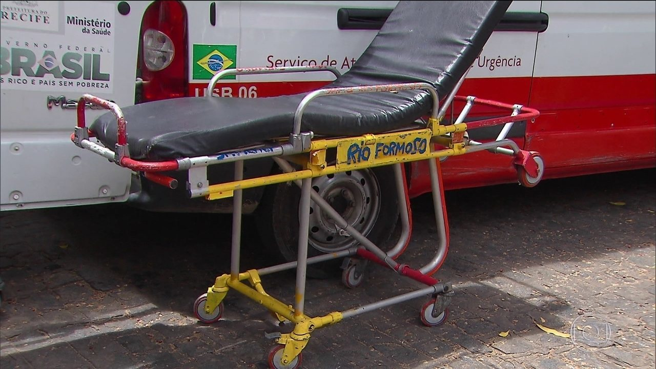 Resultado de imagem para maca de hospital com rastreament