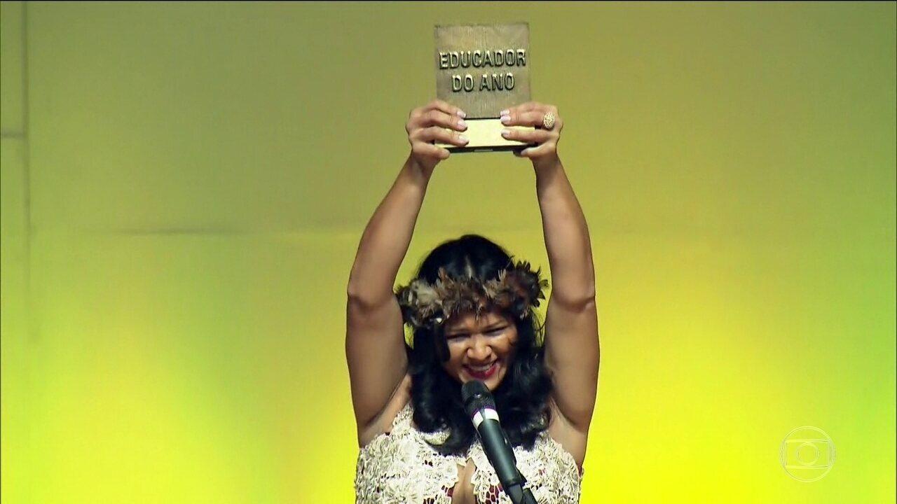 Professora de Rondônia é grande vencedora do Prêmio Educador Nota 10