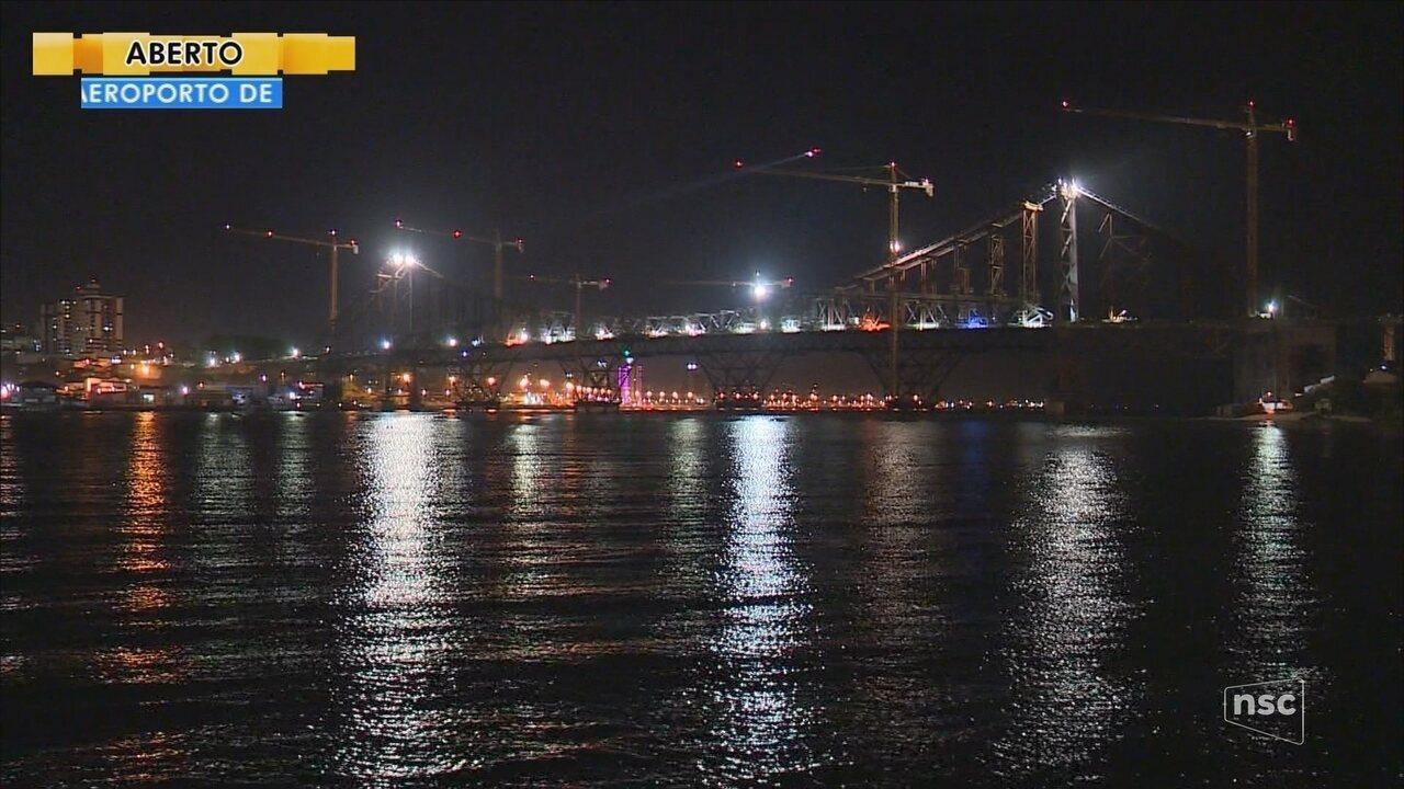Cabos das barras de olhal são cortados em nova etapa da obra na Ponte Hercílio Luz