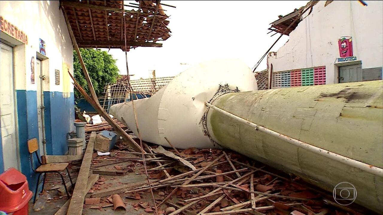 Enterrados os corpos das crianças que morreram na queda de uma caixa d'água em Sergipe
