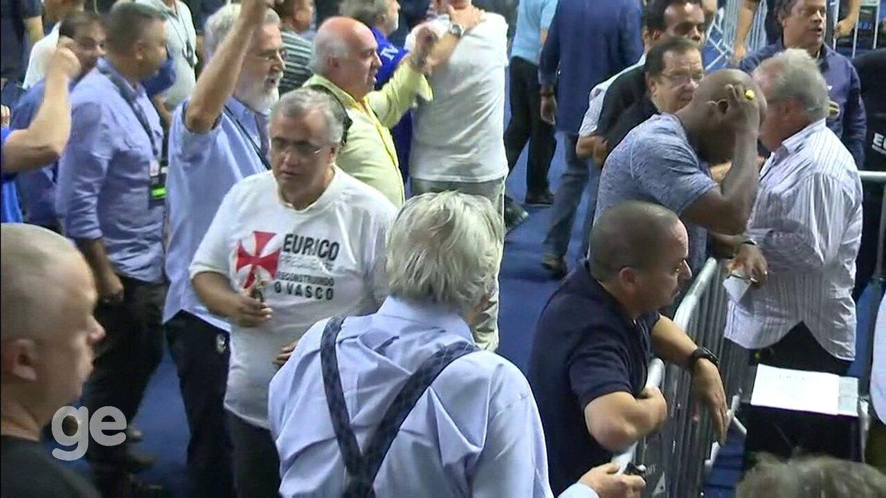 Confira os momentos finais da apuração dos votos da eleição para presidente do Vasco