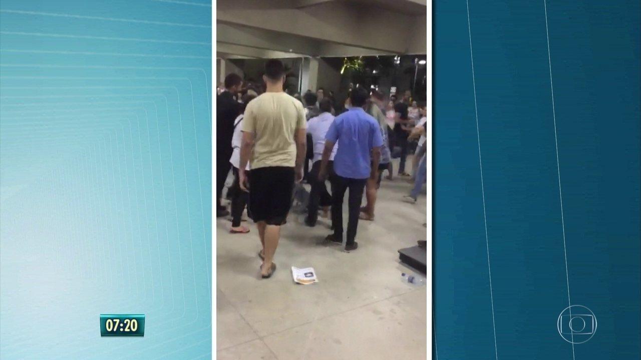 Confusão é registrada na Unicap durante votação de diretório acadêmico, no Recife