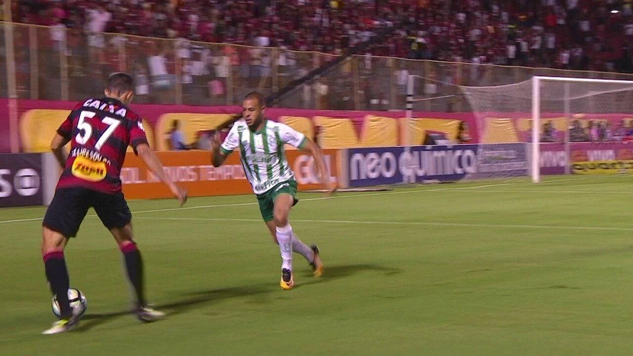 Melhores momentos de Vitória 3 x 1 Palmeiras pela 33ª rodada do Brasileirão