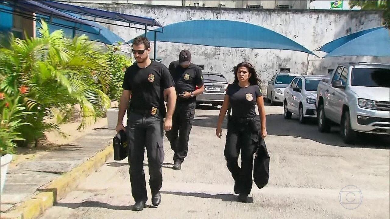 PF faz operação no Recife contra desvio de dinheiro para enchentes