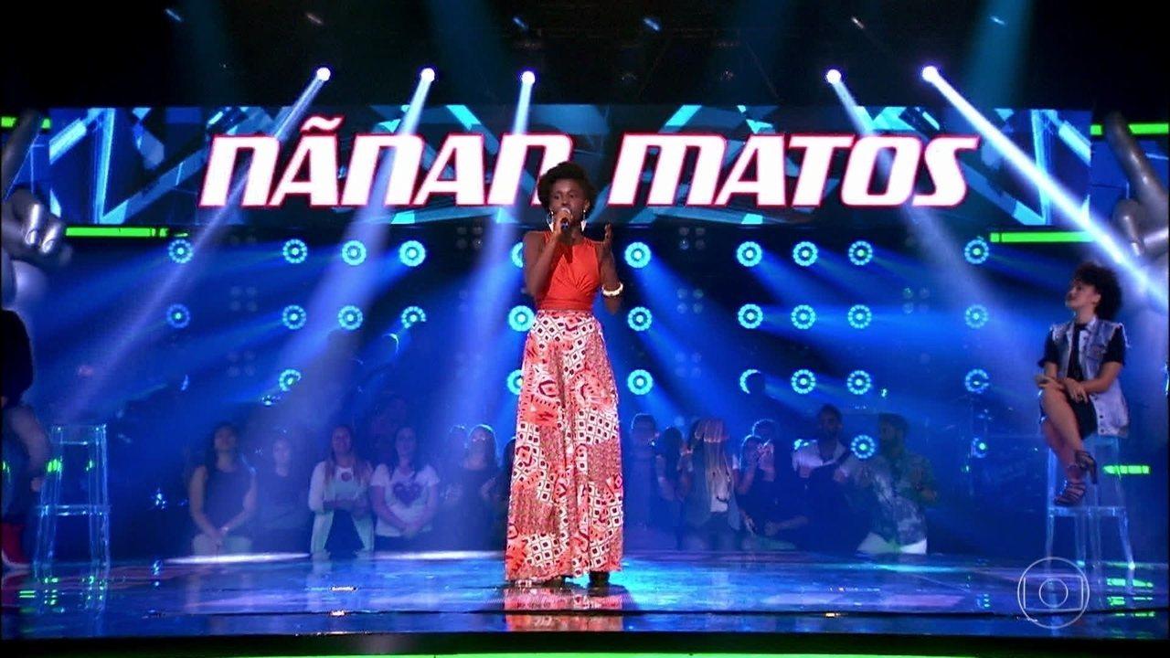 Nãnan Matos canta