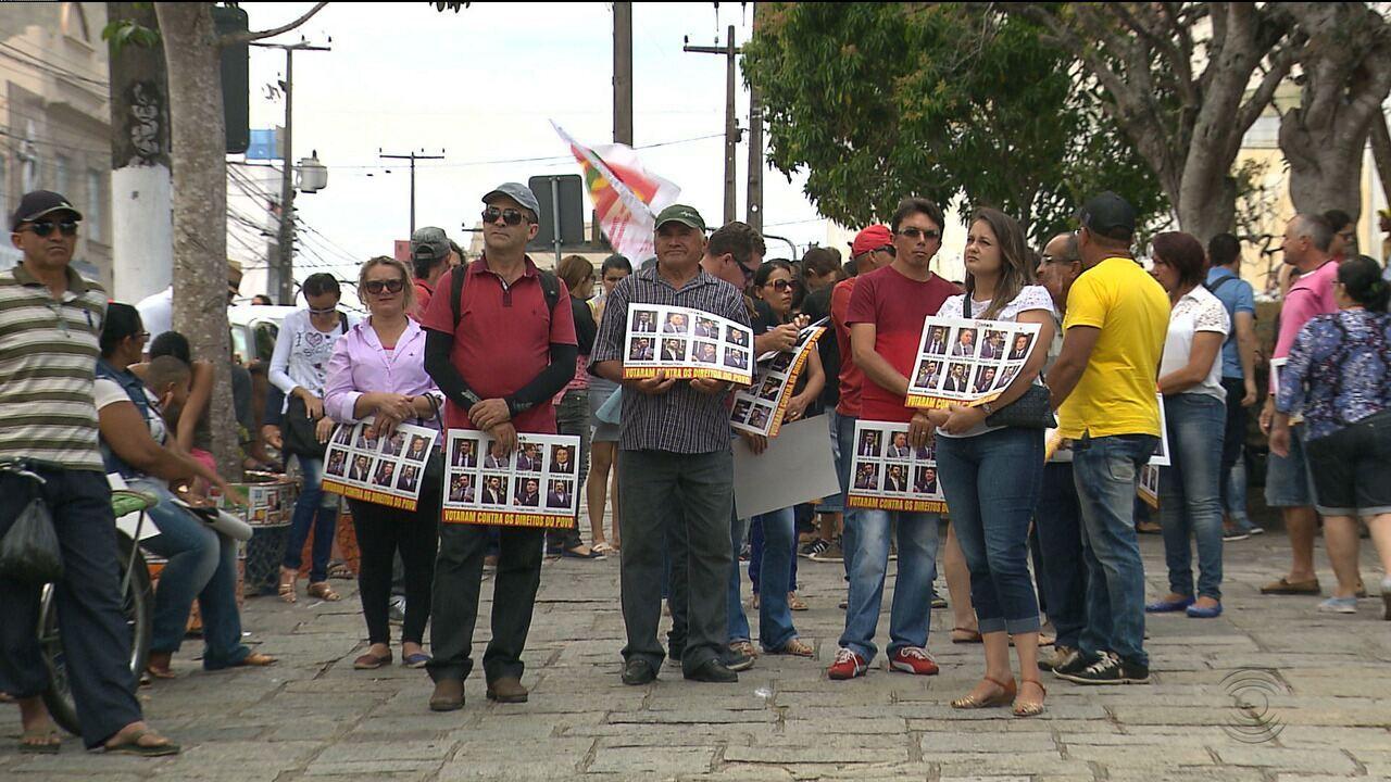 Trabalhadores protestam contra Reforma Trabalhista em Campina Grande