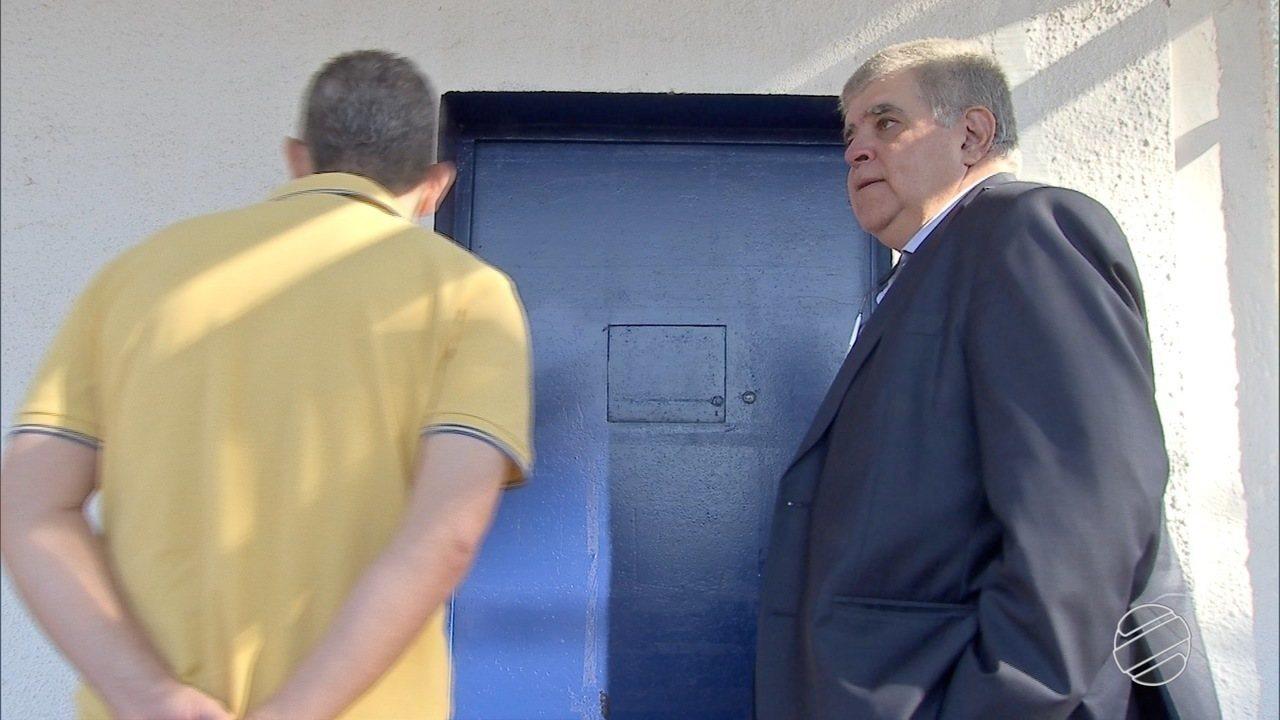 Deputado federal Carlos Marun visita André Puccinelli no presídio