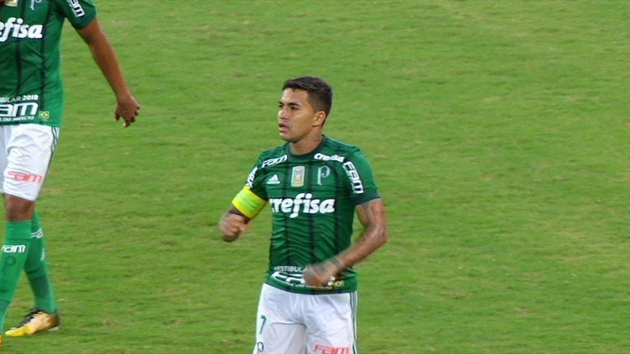 Gol do Palmeiras! Dudu briga com a marcação e chuta no cantinho aos 44' do 2º Tempo