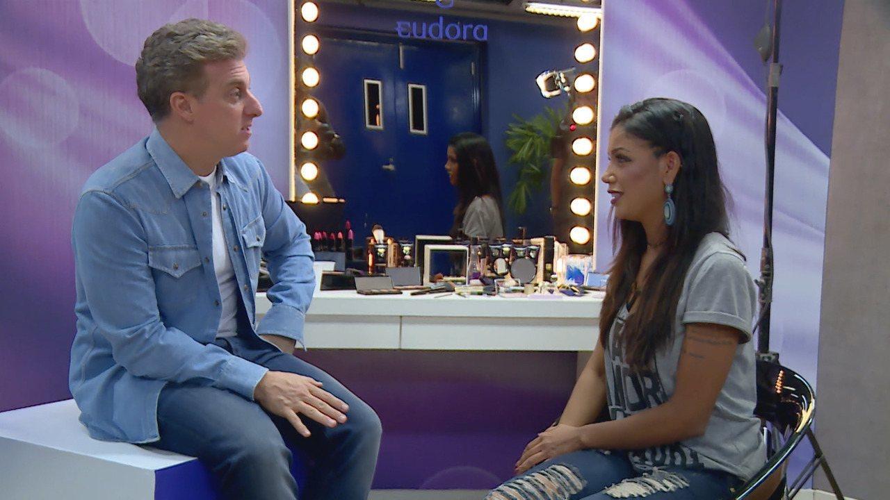 Amanda Oliveira descobre que está participando do 'Caldeirão'