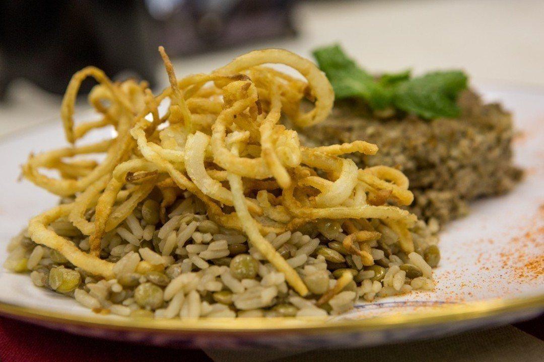 Arroz de Lentilha com cebola frita