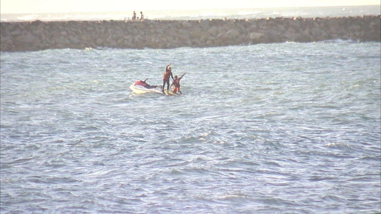 Bombeiros acham corpo de atleta que desapareceu no mar durante o Ironman
