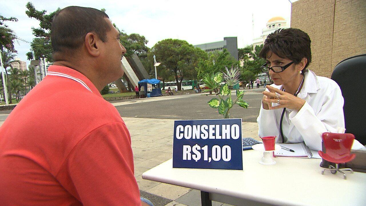No 'Mapas', Maria Menezes abre seu consultório de conselhos e atende questões conjulgais