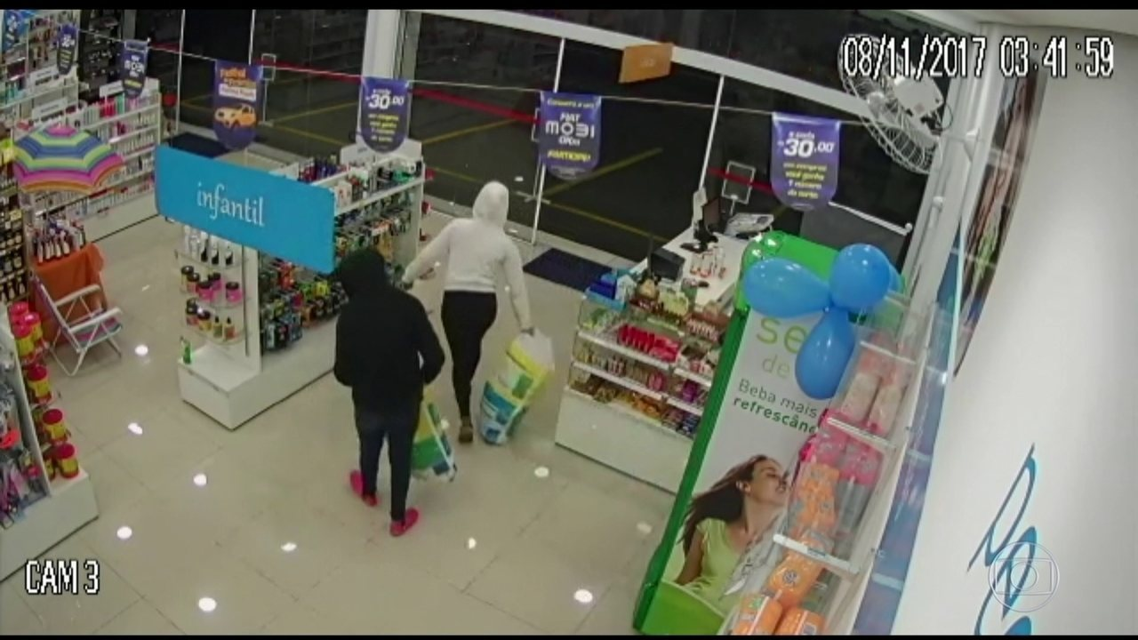 Aumento de assaltos restringe abertura de farmácias 24 horas em SP