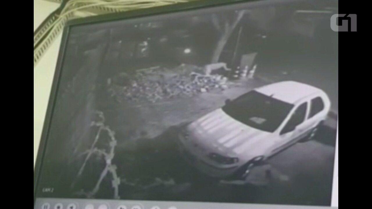 Presos pulam de teto para fugir de cadeia no Paraná