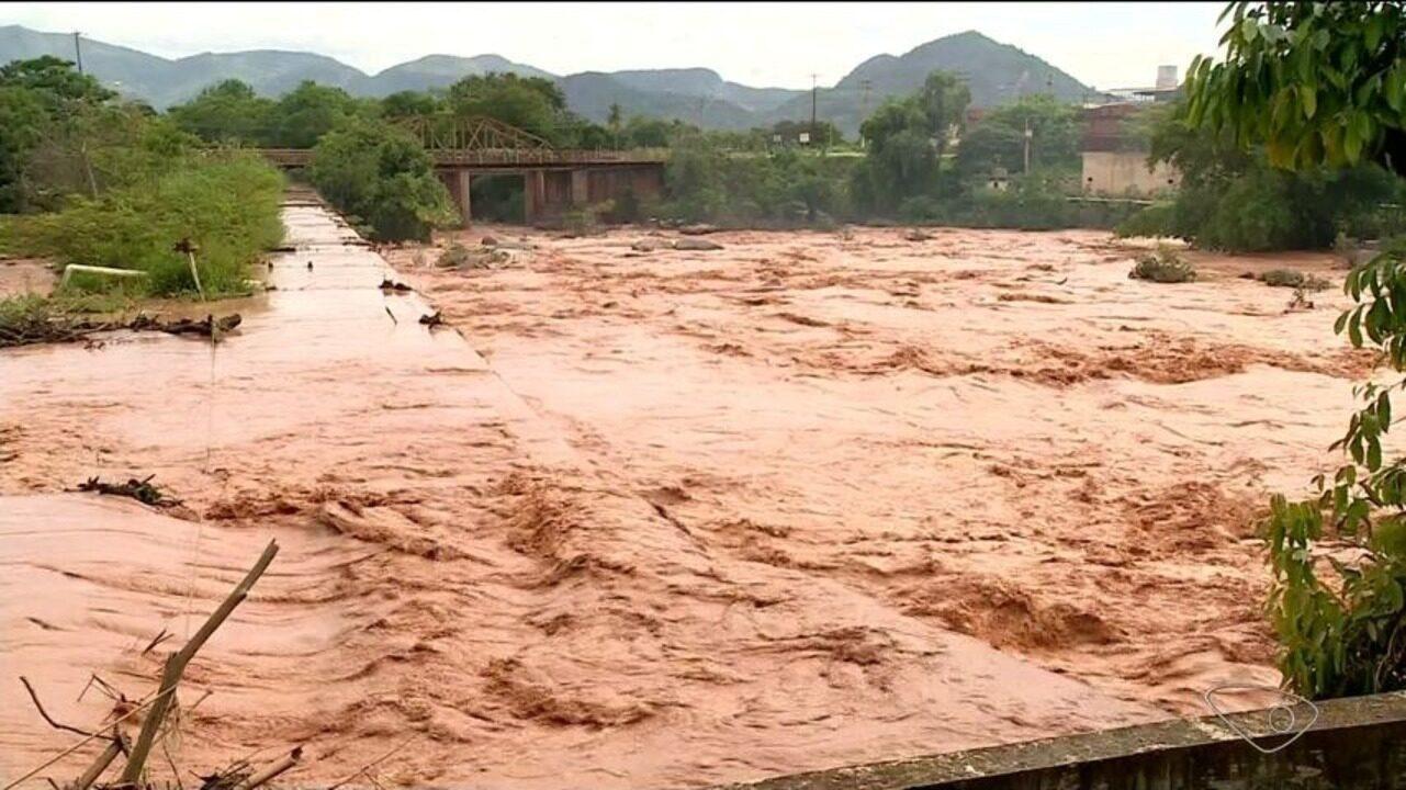 Defesa Civil monitora áreas com risco de desmoronamento em Baixo Guandu, ES