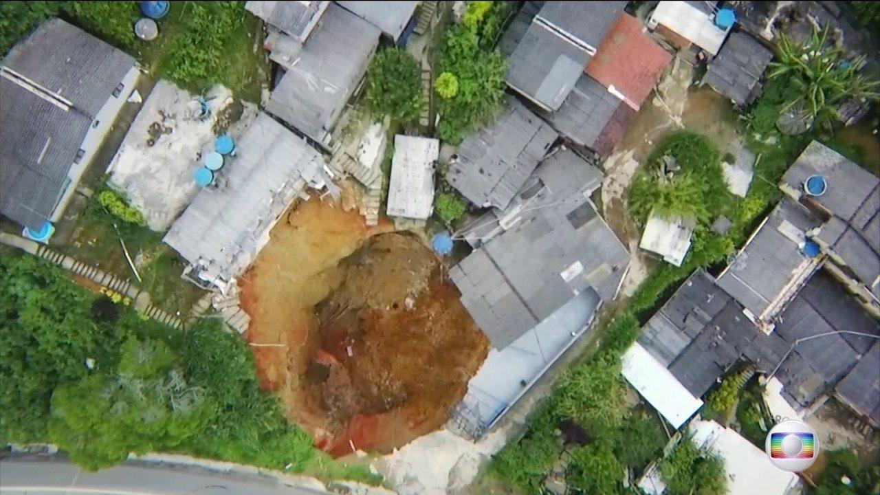 Defesa Civil de Petrópolis confirma que buraco na BR-040 foi provocado por obra da Concer