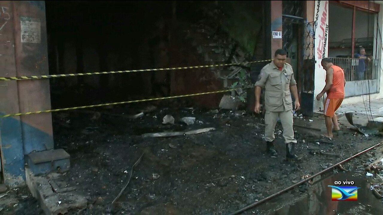 Pessoa morre durante incêndio em loja em São Luís