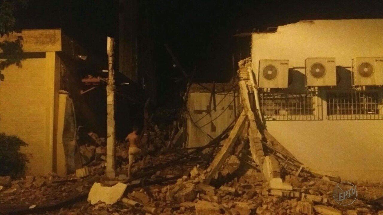 Suspeitos armados explodem caixas eletrônicos no Centro de Guatapará, SP