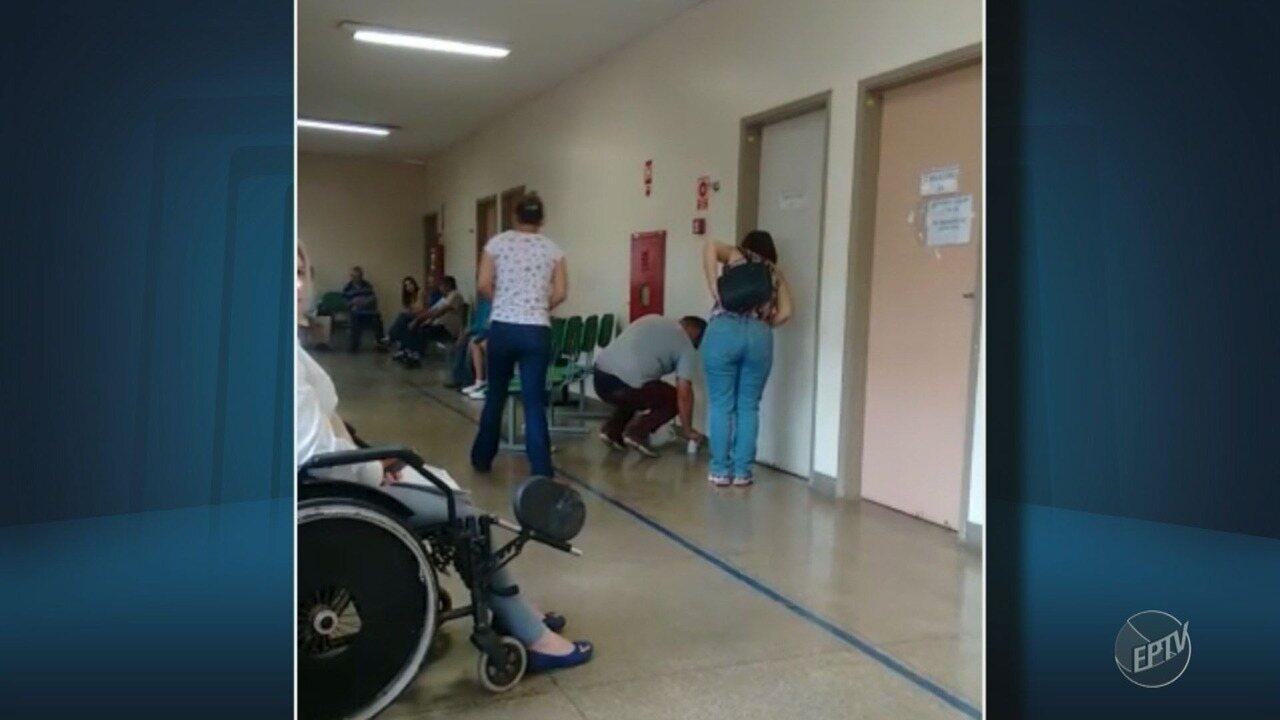 Funcionário captura escorpião no ambulatório do Hospital Ouro Verde, em Campinas; vídeo
