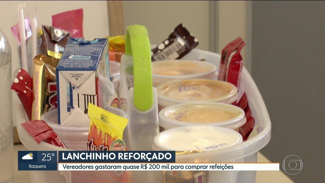 Vereadores gastaram quase R$ 200 mil para comprar refeições em SP