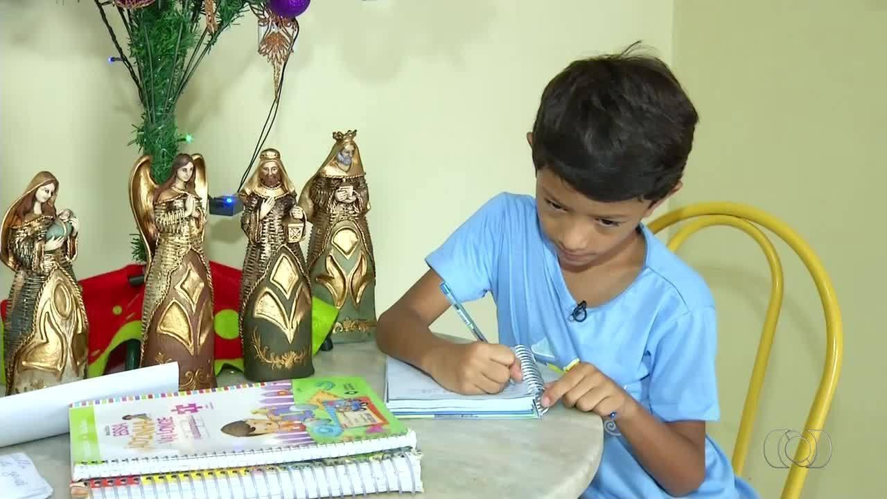 Criança escreve carta a Papai Noel pedindo remédio tratamento milionário do amigo com doença rara
