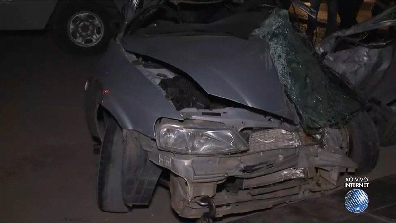 Batida entre dois carros deixa uma pessoa morta e seis feridas na BR-116 Norte