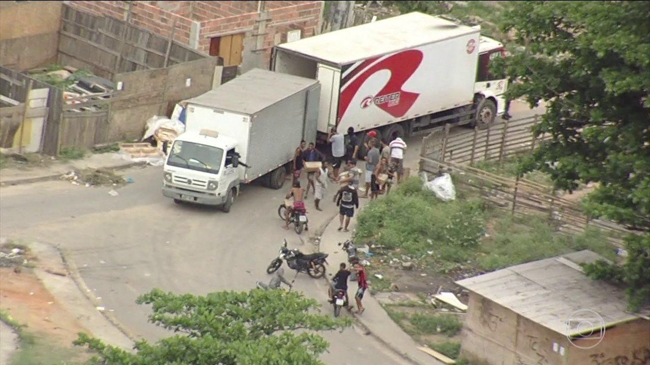Globocop flagra roubo de carga de caminhão no Complexo da Pedreira (RJ)