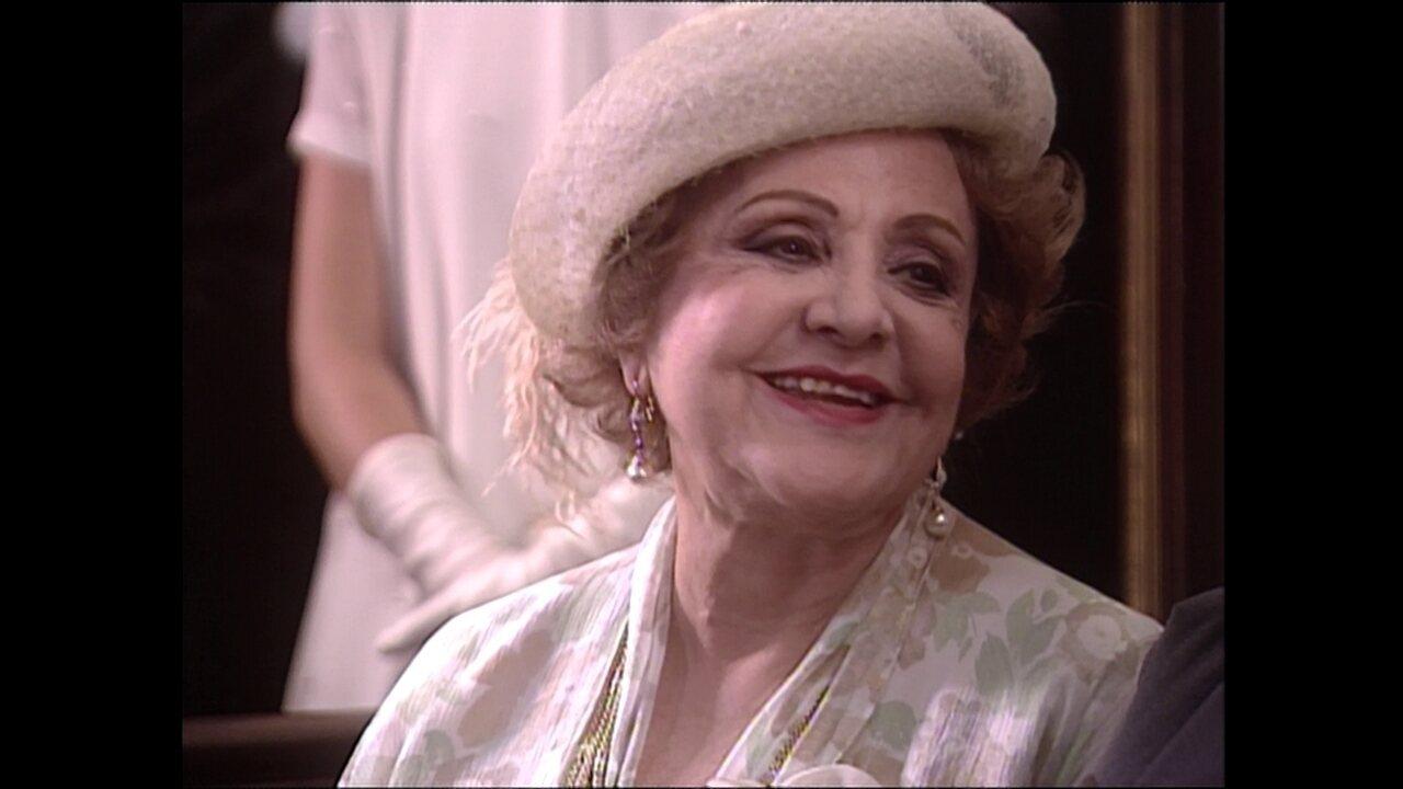 Eva Todor interpreta Josefa, em 'O Cravo e a Rosa'